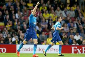 premier league: arsenal verliert spät - man city siegt 7:2 bei stoke city
