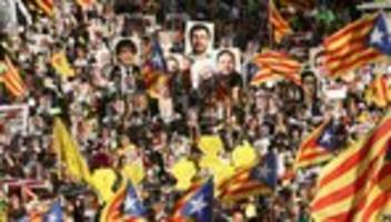 Katalonien: Zehntausende Separatisten demonstrieren in Barcelona