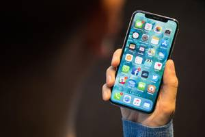 Apple: Probleme bei iPhone X und MacBook Pro