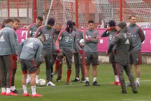 Video: Bayern-Fans nach Champions-League-Aus frustriert