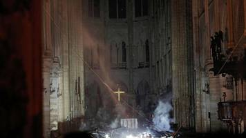 notre-dame in flammen: feuer in paris – der brand in augenzeugen-videos