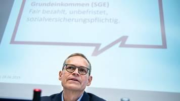 alternative zu hartz iv?: erste teilnehmer beim solidarischen grundeinkommen in berlin
