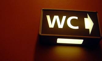 blitz in florida lässt toilette in die luft gehen