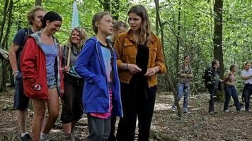 klimawandel : greta thunberg besucht hambacher forst