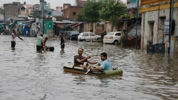 Unwetter: Fast 100 Tote nach Monsununwettern in Indien