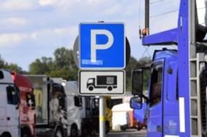 Frage der Sicherheit: Verband mahnt dringend mehr Lkw-Stellplätze an