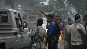 kampf um aden: separatisten besetzen lager in jemenitischer hafenstadt aden