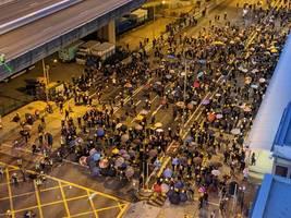 Hongkong: Demonstranten und Polizei stoßen erneut gewaltsam zusammen