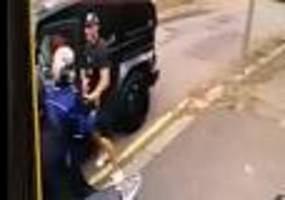 Räuber waren bewaffnet - Polizei nimmt Verdächtige nach Überfall auf Özil und Kolasinac fest
