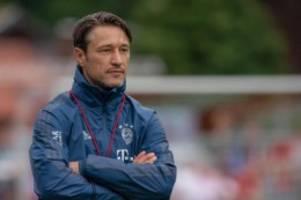 Fußball: Transfer-Wirbel ausblenden: Bayern bei Cottbus gefordert