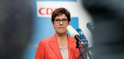 kramp-karrenbauer wechselt nicht alleine ins verteidigungsministerium