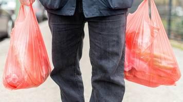 Svenja Schulze: Ist das geplante Plastiktütenverbot nur Symbolpolitik?