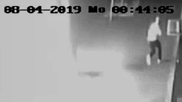 Vorfall in Berlin: Videokamera filmt Auto-Brandstifter – Polizei sucht Zeugen