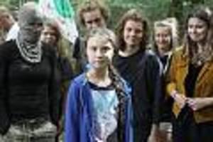 """Termin im Hambacher Forst sorgt für Diskussion - Vater von Greta Thunberg über Vermummten-Foto: """"Das war eine Überraschung"""""""