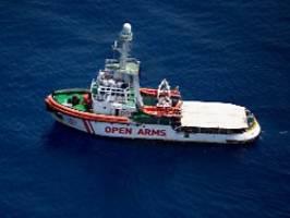 Wegen Notlage an Bord: Open Arms darf in italienische Gewässer