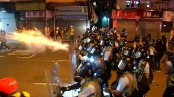 Video: Gewalt in Hongkong hält an