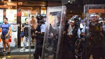 USA zutiefst besorgt über mutmaßliche Truppenbewegungen an Grenze zu Hongkong