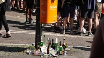 Putzen statt Party: Touristen sollen Müll in Berliner Parks sammeln