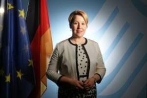 Plagiatsaffäre: Franziska Giffey bietet Rücktritt als Ministerin an