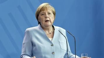 Seenotrettung im Mittelmeer: Kanzlerin Merkel fordert staatlich organisierte Mission