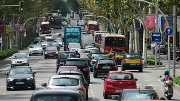 Bußgeldbescheid: Was Autofahrer über Bußgeld im Ausland wissen müssen