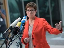 Parteiausschluss von Maaßen?: Missverstandene AKK rudert zurück