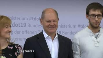 Video: Scholz lässt Pläne für Bewerbung auf SPD-Vorsitz offen