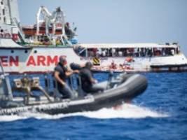 Seenotrettung: Salvini lässt Minderjährige von Bord der Open Arms