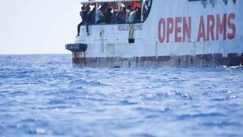 Drama um Rettungsschiff: Salvini lässt Minderjährige von Bord der «Open Arms»