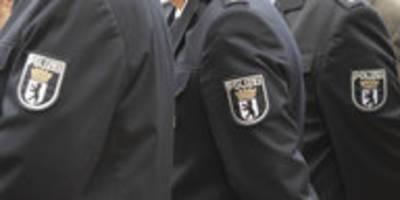 Liebeserklärung an die Berliner Polizei: Eine ganz eigene Köpenickiade