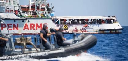 """Lage auf """"Open Arms"""" immer kritischer - Kapitän warnt vor Eskalation"""