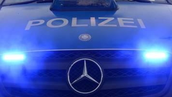 zwei tote bei messerangriff: großeinsatz der polizei