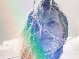 Nippelblitzer auf hoher See: Heidi lässt die Hüllen fallen