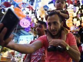 seehofer: sind keine flüchtlinge: droht syrien-urlaubern bald abschiebung?
