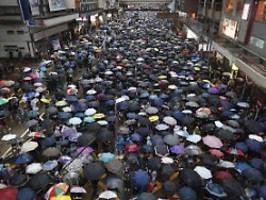 wieder hundertausende bei demo: hongkonger trotzen drohungen aus peking