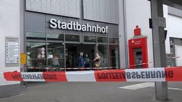 Messerangriff auf Bahnhof: Zwei Tote nach Bluttat in Iserlohn - und ein Baby, das überlebt