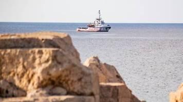 Flüchtlings-Rettungsschiff Open Arms darf spanischen Hafen ansteuern