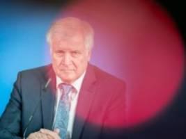 migration: seehofer: heimaturlauber müssen mit abschiebung rechnen