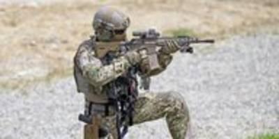 AKK setzt sich gegen Bahn durch: Freie Fahrt für Soldat*innen