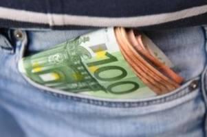 digitales zahlen nimmt zu: die liebe der deutschen zum bargeld schwindet