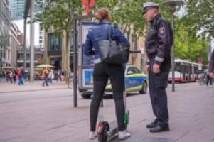Straßenverkehr: E-Scooter in Hamburg: Polizei plant große Kontrollen