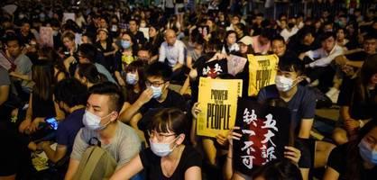 lehrer solidarisieren sich mit protestierenden schülern