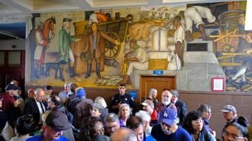 San Francisco streitet über historische Wandgemälde in Schule