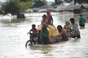 Über 1000 Tote nach Unwettern in Indien