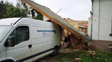 Windhose und heftige Gewitter: Äste und Schilder flogen plötzlich durch die Gegend – So erlebten die Brandenburger das schwere Unwetter