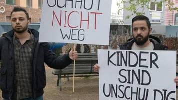 Drei Waisen und krankes Baby: Deutschland holt erstmals IS-Kinder aus Syrien zurück