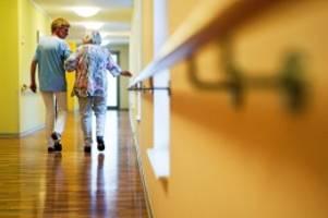Personalnot: Mehr Rentner: Berlin braucht 21.000 Altenpfleger