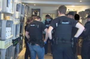 St. Pauli und Bergedorf: Polizei durchsucht zwei Cannabidiol-Geschäfte