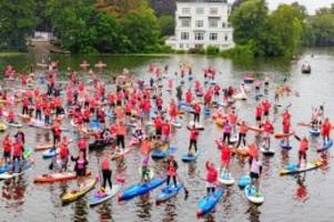 Wohltätigkeit: Hamburger paddeln für den Kampf gegen den Krebs
