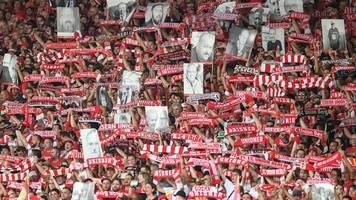 Fanaktion: 455 Fans von Union Berlin gedenken Toten auf Bannern